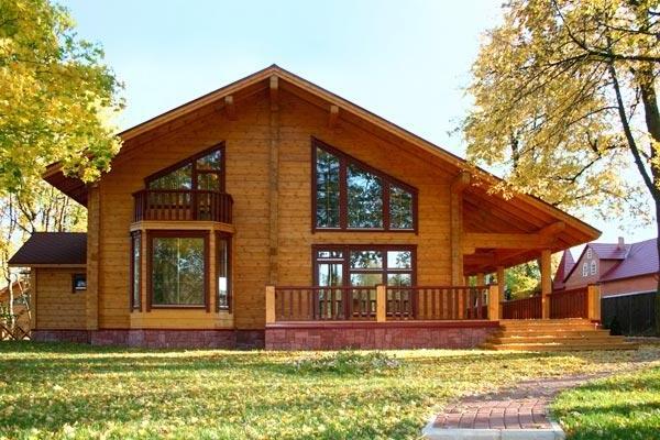 Основные преимущества возведения домов из бруса